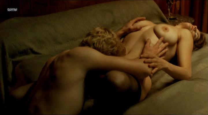 Alice Taglioni nue dans divers films