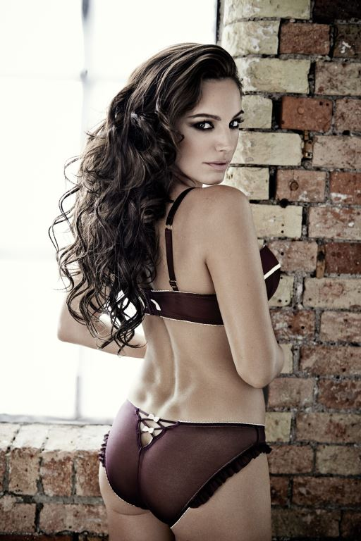 Kelly Brook nue