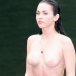 Des photos de Megan Fox seins nue qui sort de l'eau