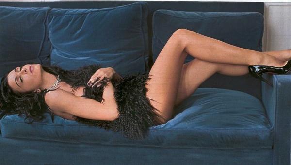 Toutes les photos de Jenifer Bartoli nue, seins nus et sexy