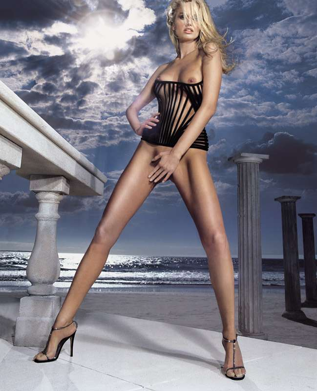 images-adriana-karembeu-nue-dans-photo-n-441-juillet-aout-2007-topless-sein-talons-jambe-softcore-6637-93f75
