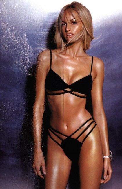 images-adriana-karembeu-nue-dans-shoot-inconnu-decolette-jambe-en-bikini-softcore-6618-cda7d