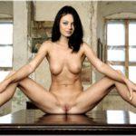 Les photos volées de Mila Kunis nue et seins nus