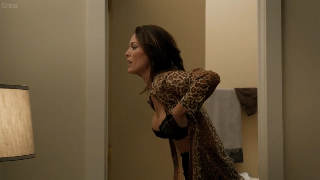Alana de la Garza seins nus : Forever