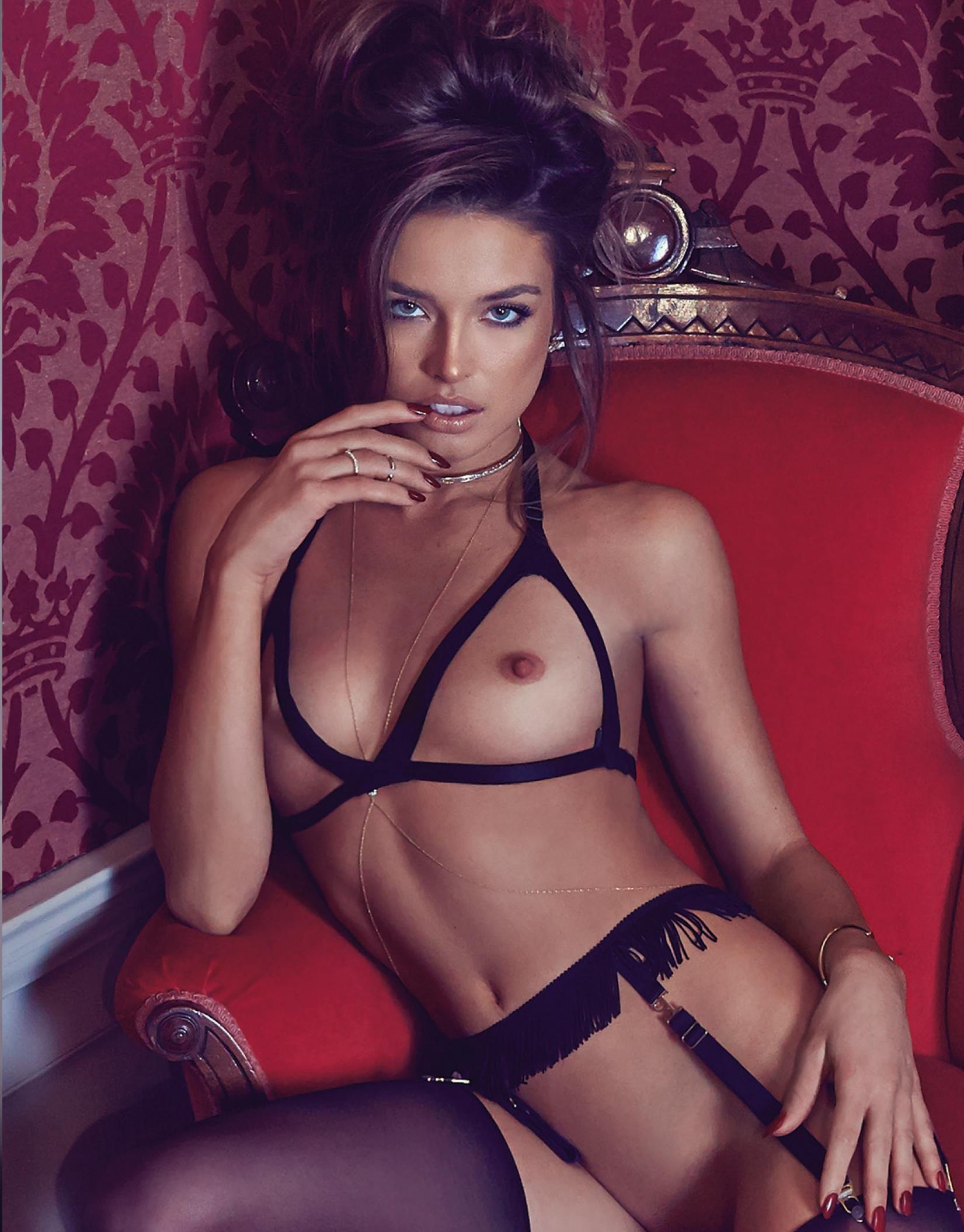 Photos nues de meight leighton