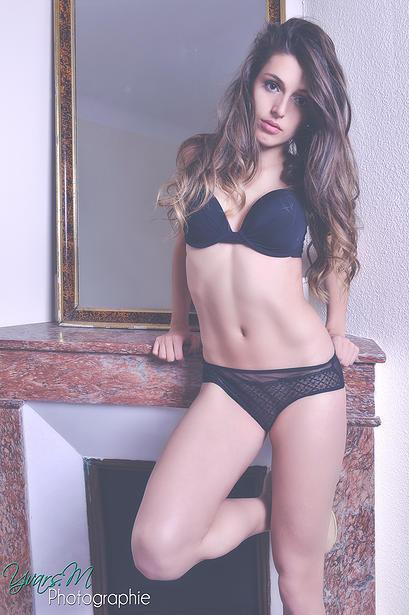photo-alice-llenas-nue-juste-prix-sexe-nue-sein-string-lingerie-sextape-8