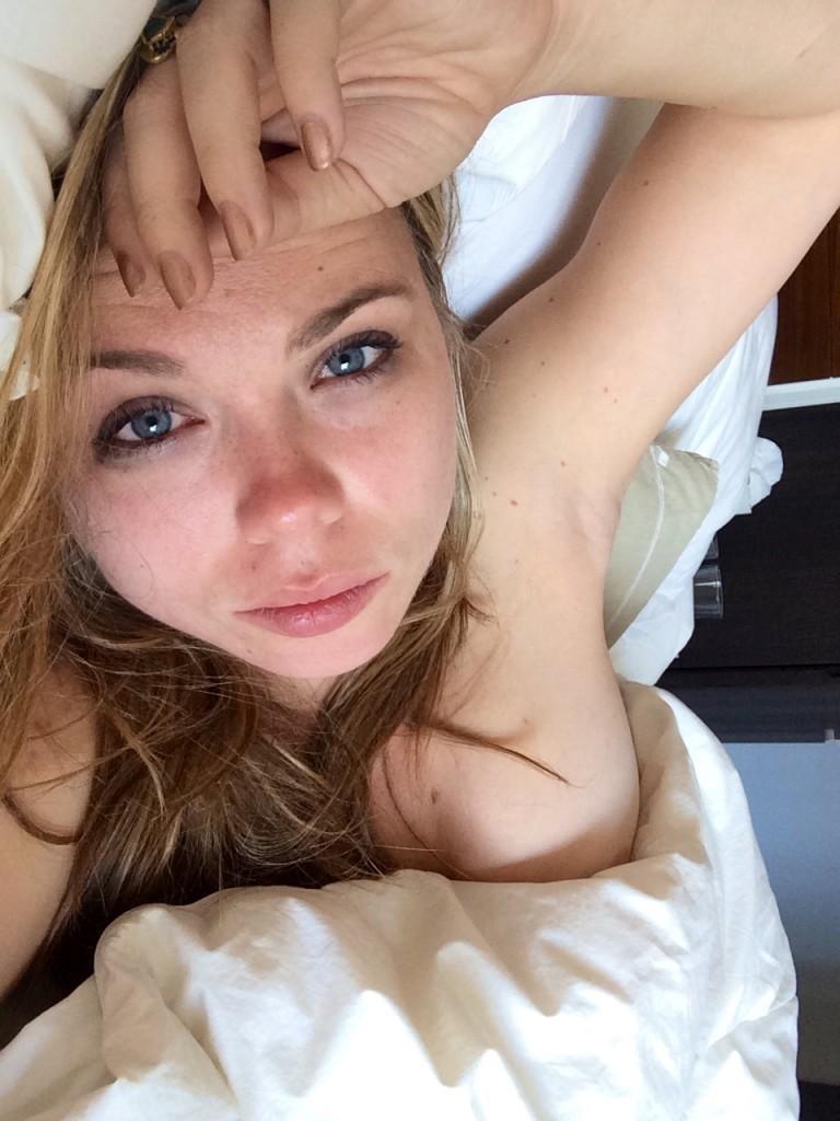 Toutes les photos volées de Amanda Fuller nue