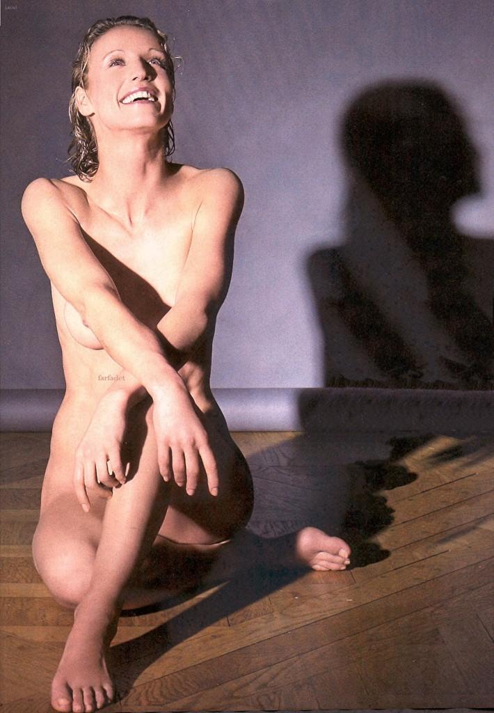 images-alexandra-lamy-nue-dans-shoot-inconnu-topless-sein-softcore-2521-c2e62