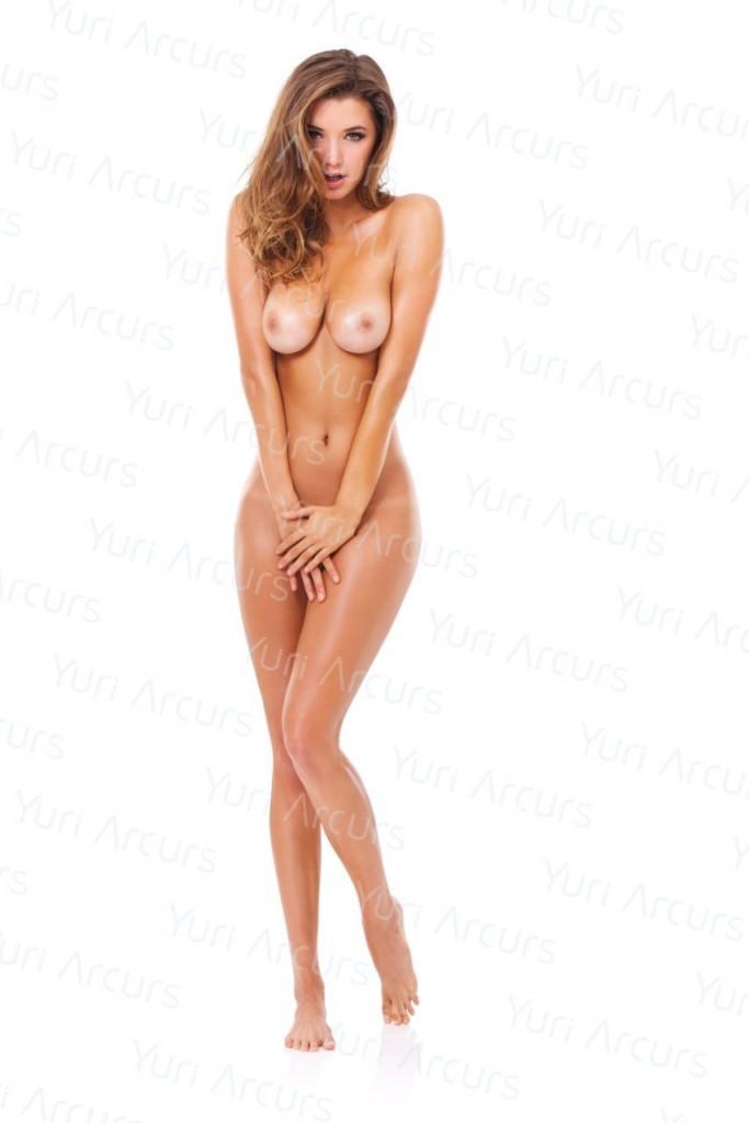 Alyssa-Arce-Naked-06-683x1024