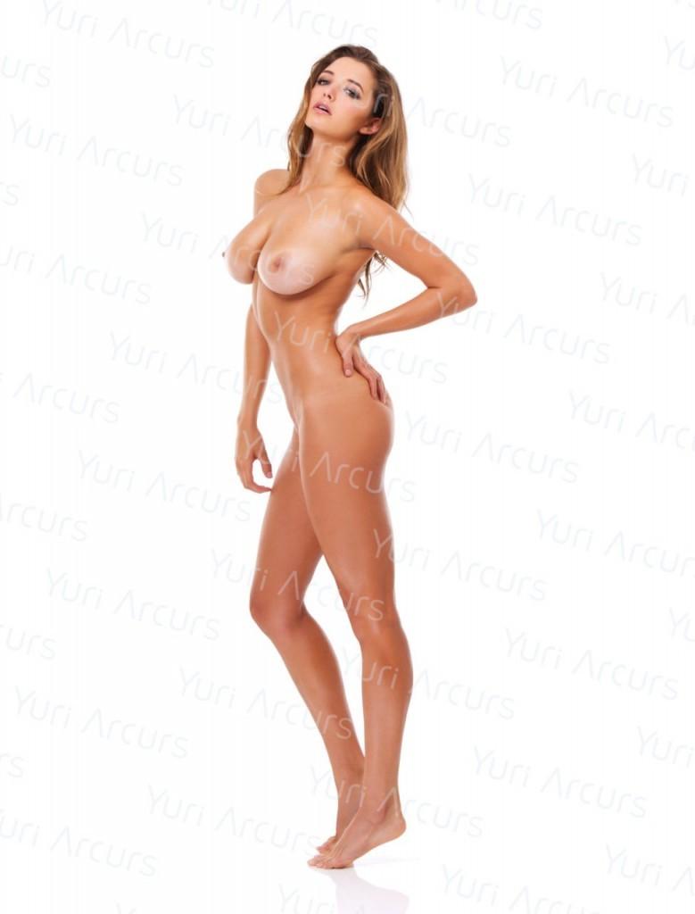 Alyssa-Arce-Naked-10-779x1024