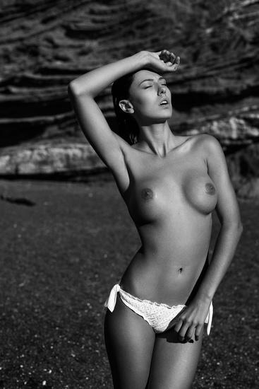 Topless sur la plage de tres beau gros seins a mater - 1 part 10