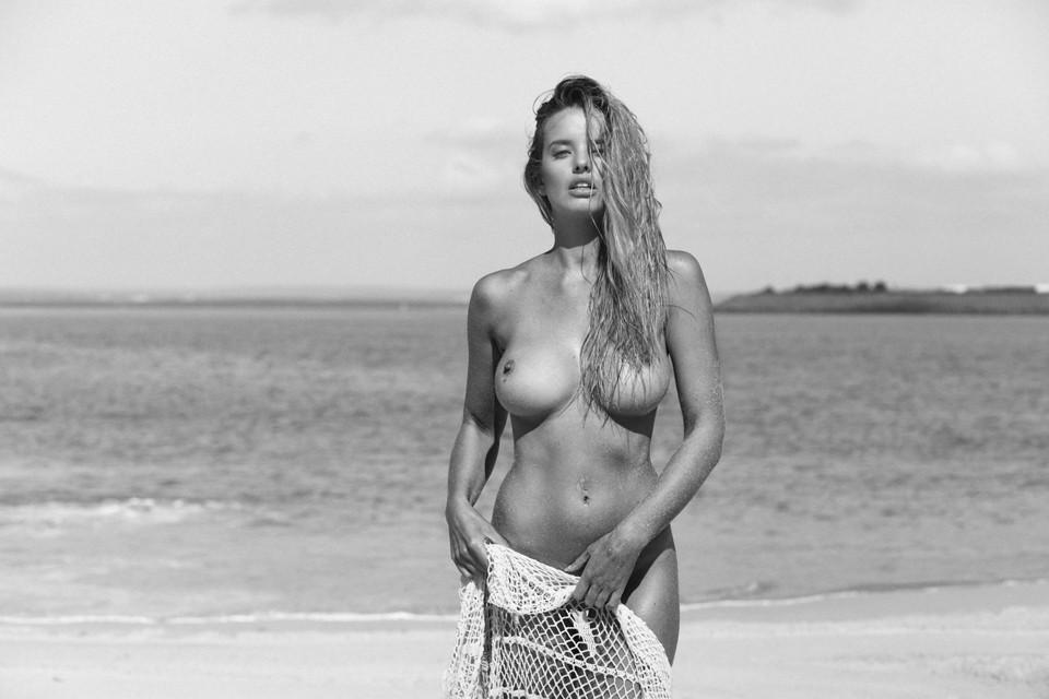 18 ans toute nue sur webcam Sexe Amateur