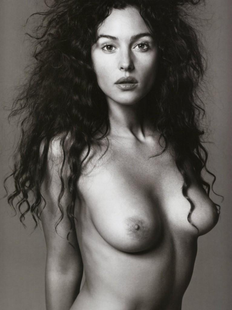 De vieilles photos de Monica Bellucci nue