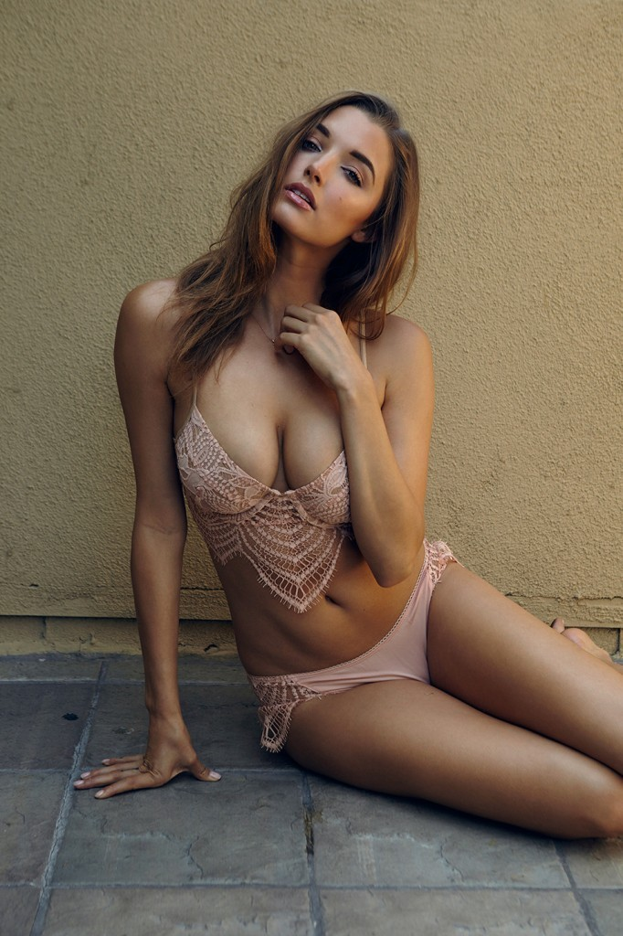 Alyssa-Arce-Sexy-Topless-8-682x1024