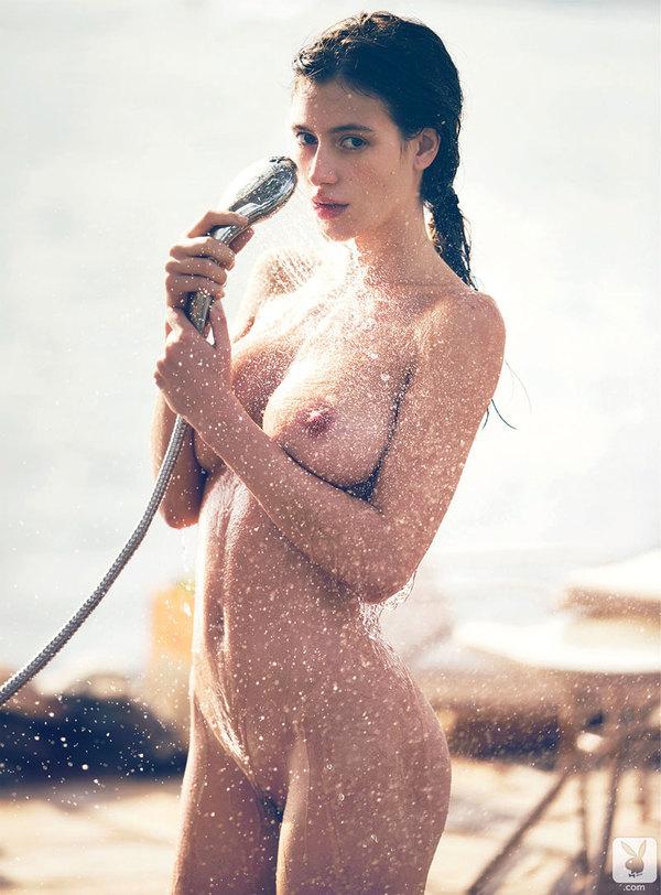 alejandra-guilmant-nue-nude-sexy-hot-4