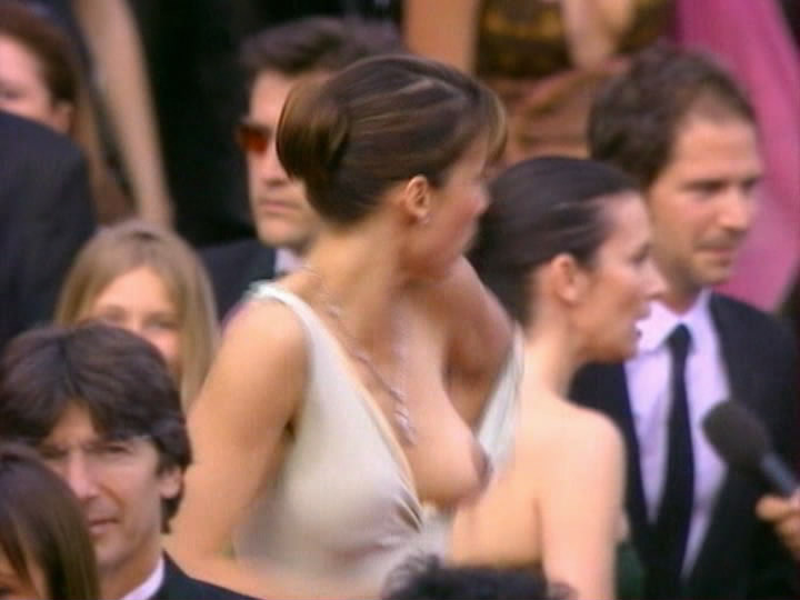 images-sophie-marceau-nue-dans-festival-de-cannes-topless-sein-softcore-15954-044ab