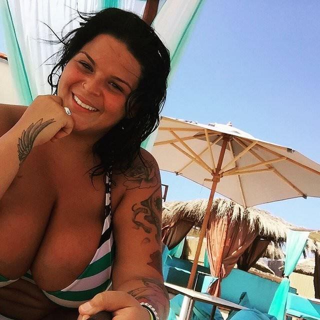 Sarah Fraisou nue nu seins nus hot sexy topless 3