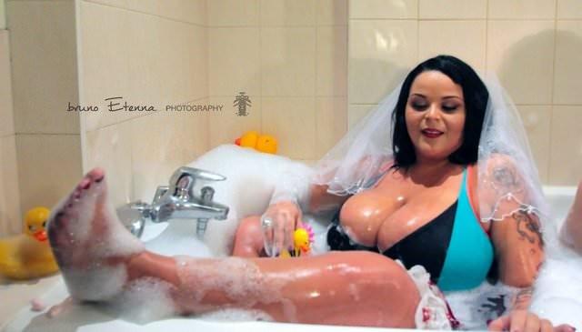 Sarah Fraisou nue nu seins nus hot sexy topless 5