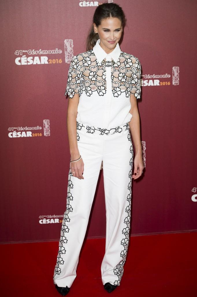Oops les tétons d'Ophélie Meunier aux Césars 2016