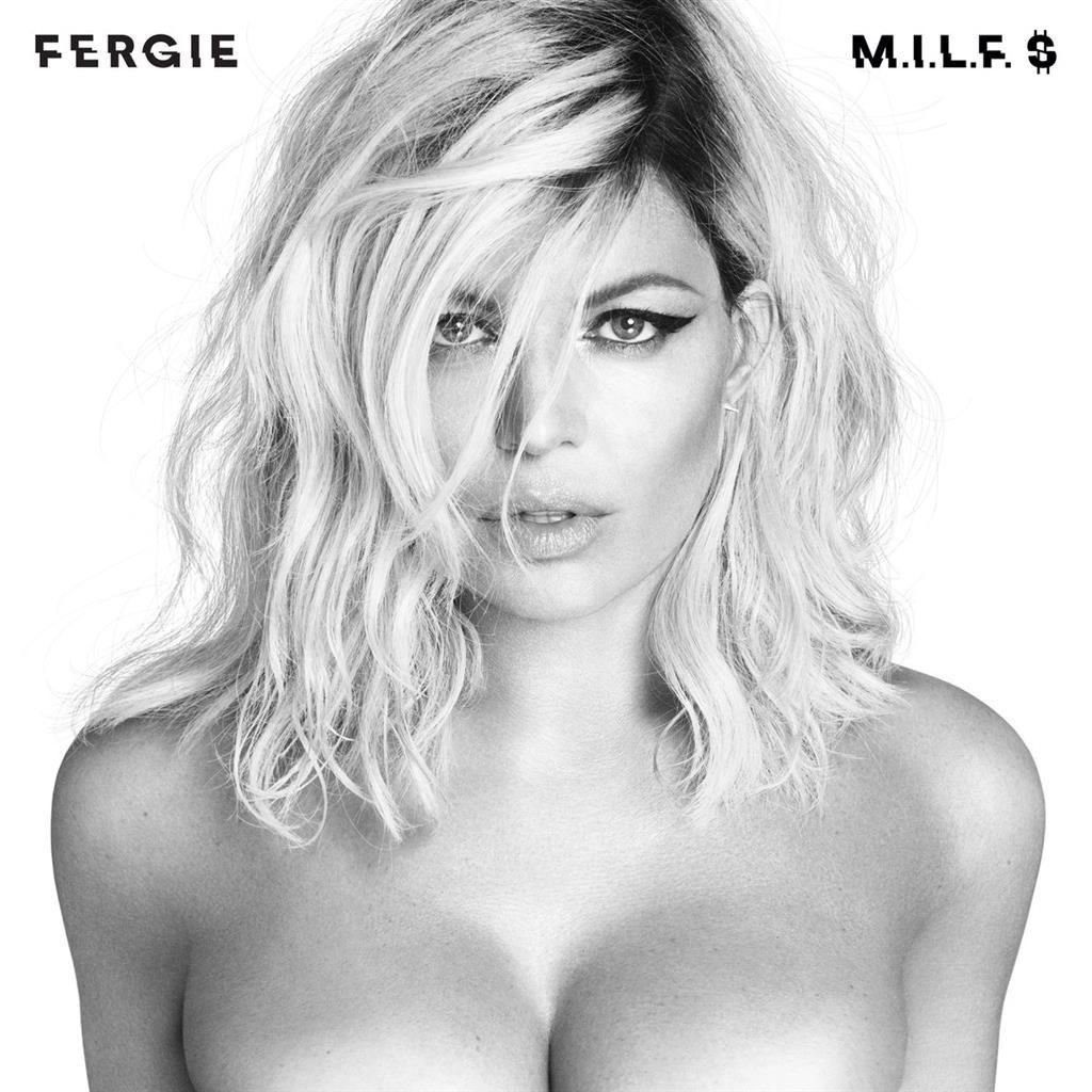 Une photo de Fergie nue et seins nus