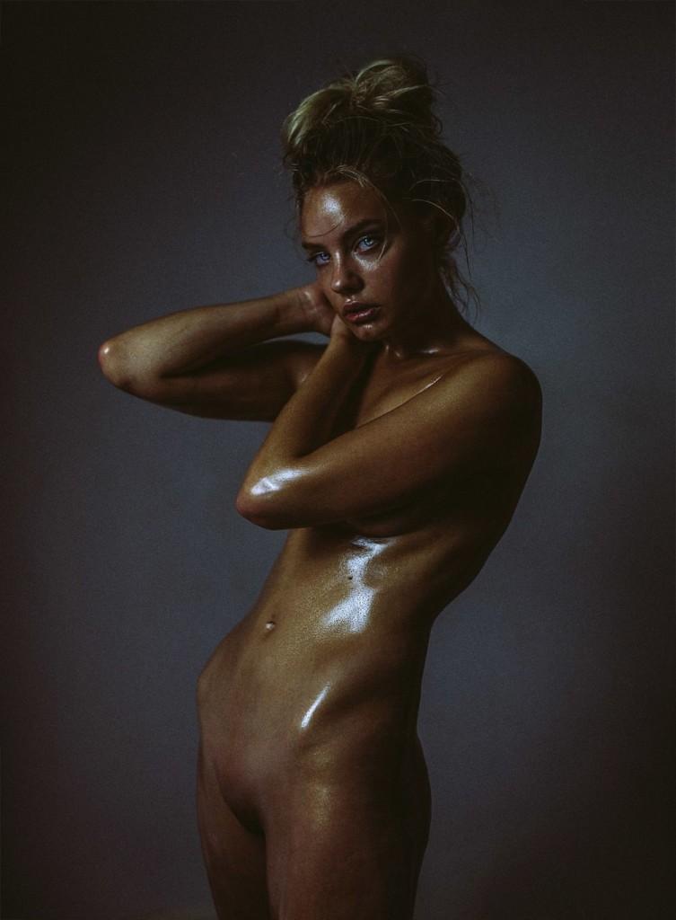 Des photos de Holly Horne nue et seins nus