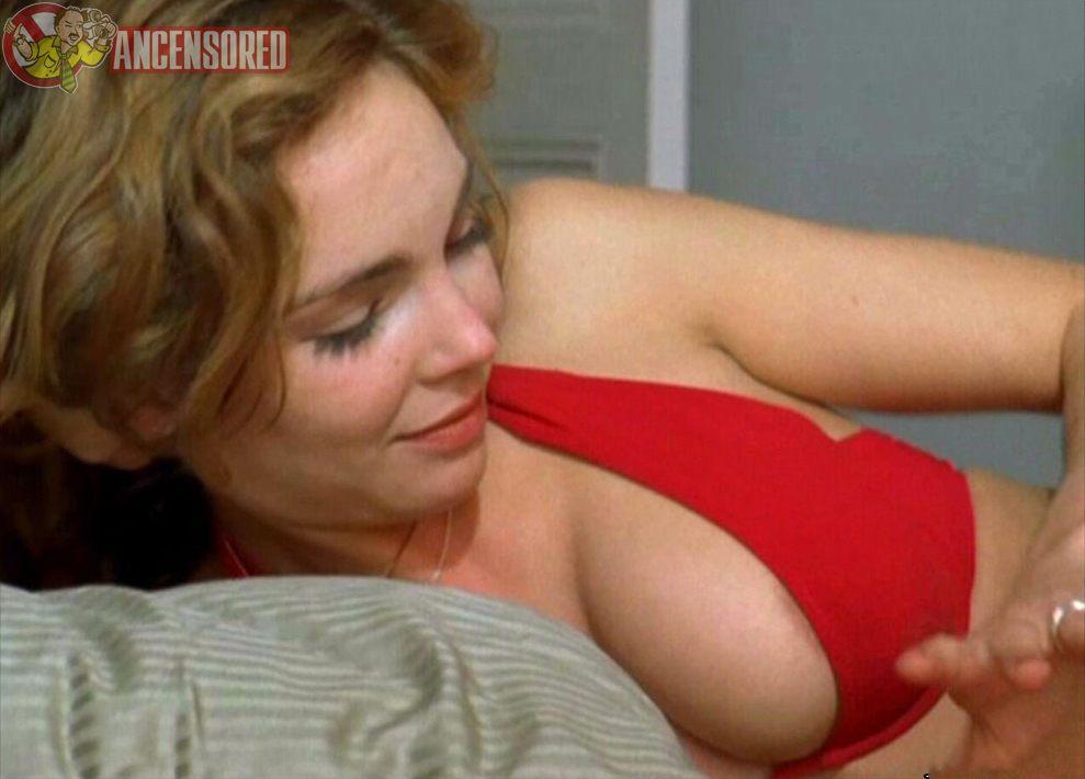 claire-keim-lingerie-sexy
