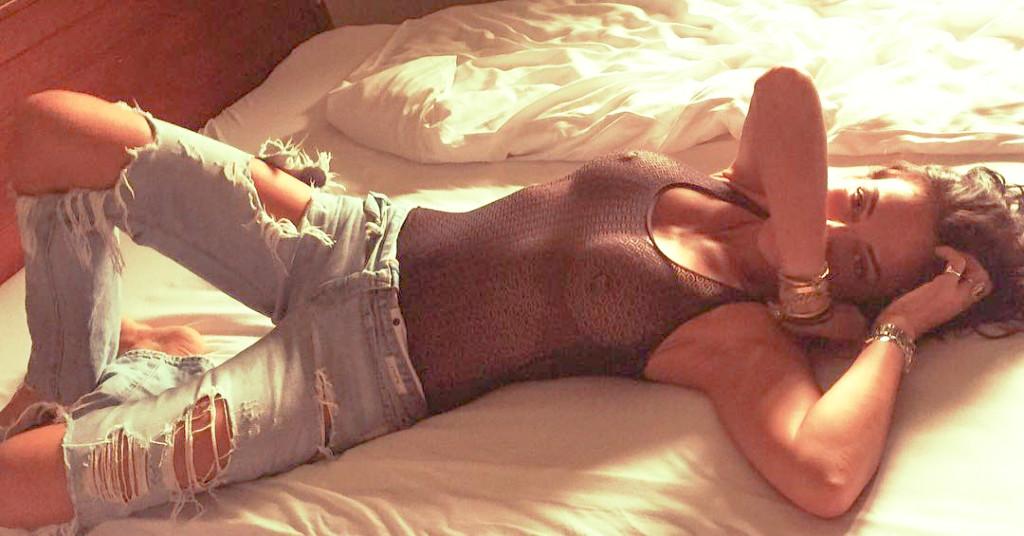 Toutes les photos de Sandra De Matteis nue et seins nus