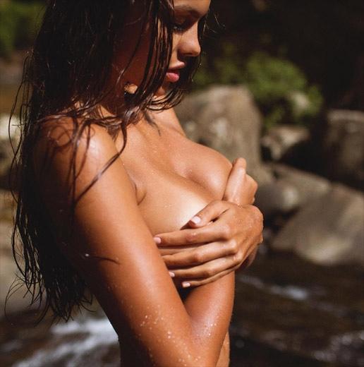 model-viki-odintcova-nue-seins-sexy-6