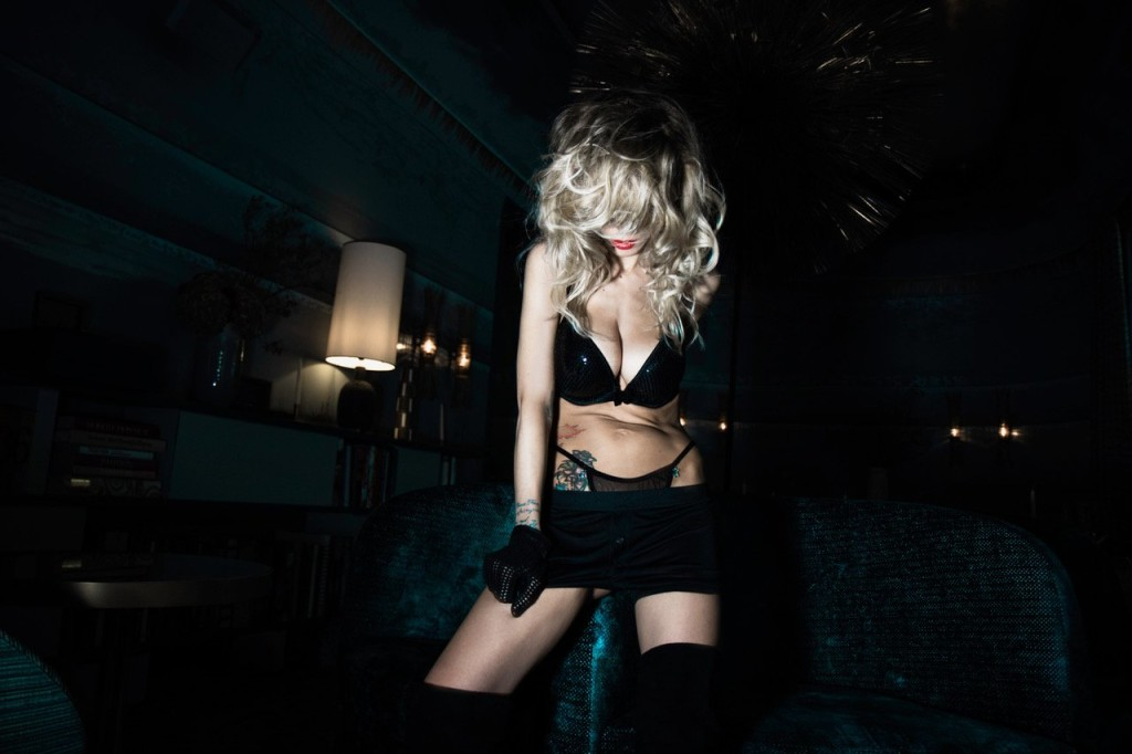 tristane-banon-nue-seins-sexy-playboy-5