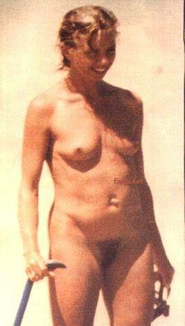 Topless sur la plage de tres beau gros seins a mater - 4 2