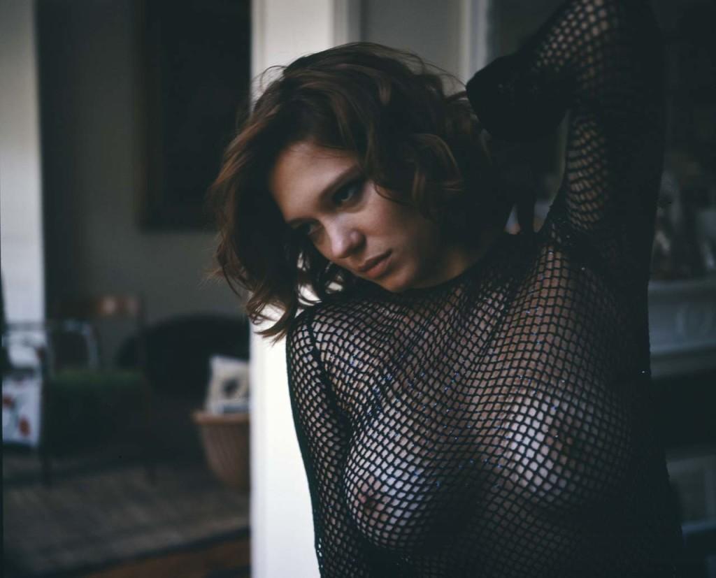 Une nouvelle photo de Léa Seydoux nue et seins nus