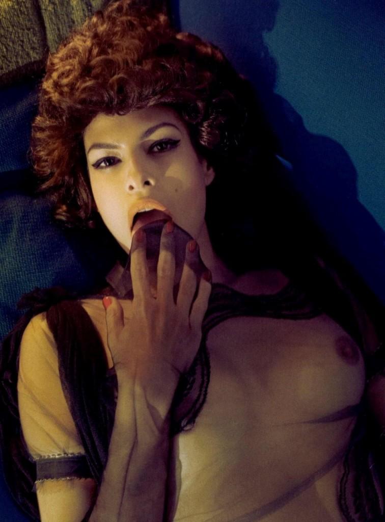 Eva-Mendes-Naked-06