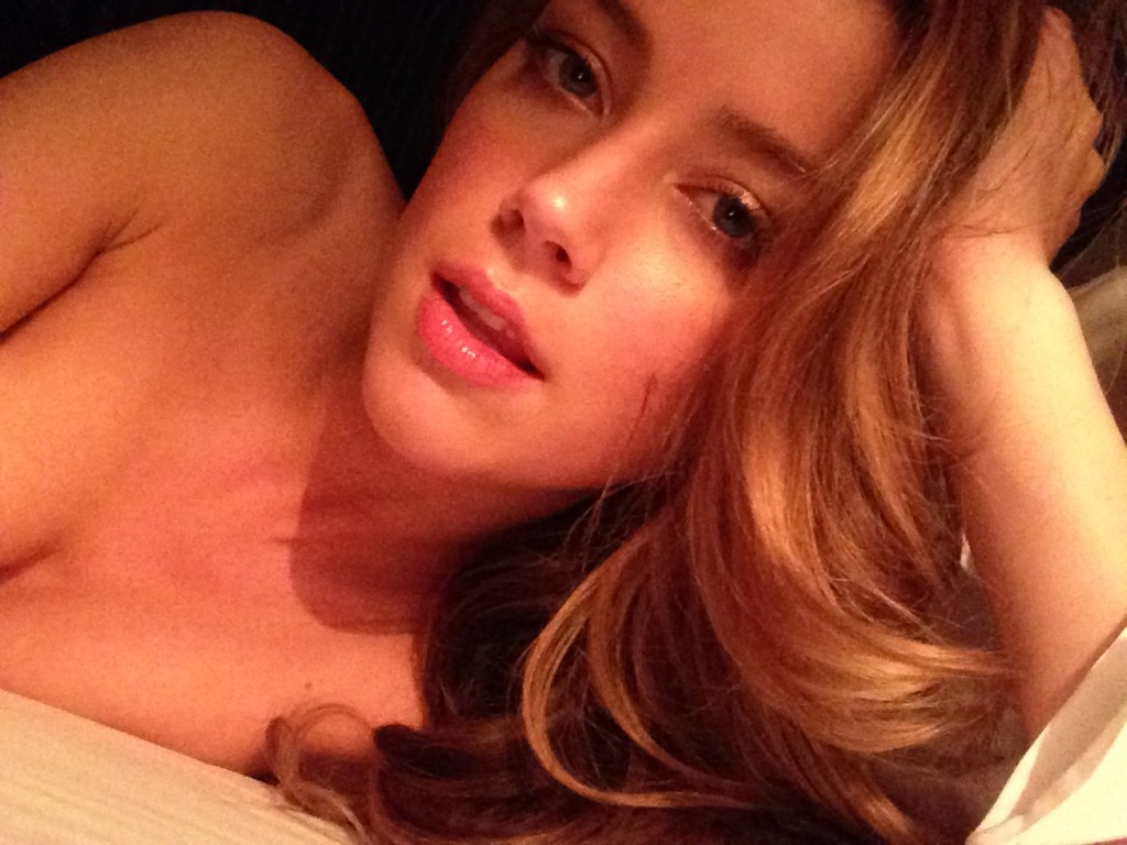 Amber Heard nue