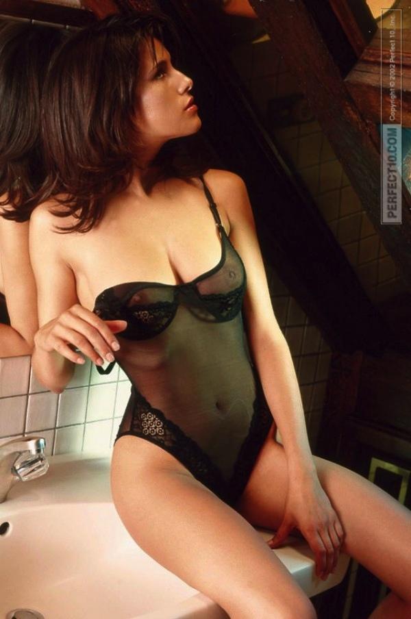 31-karine-ferri-tf1-sexy-hot-nue