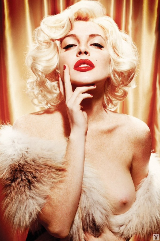 Lindsay-Lohan-Naked-11