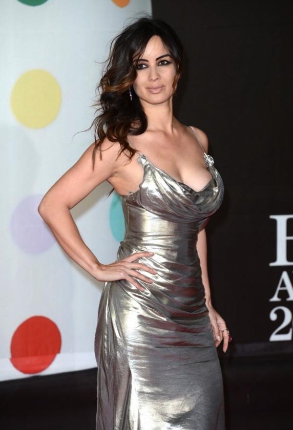 Selena gomez topless photo leaked