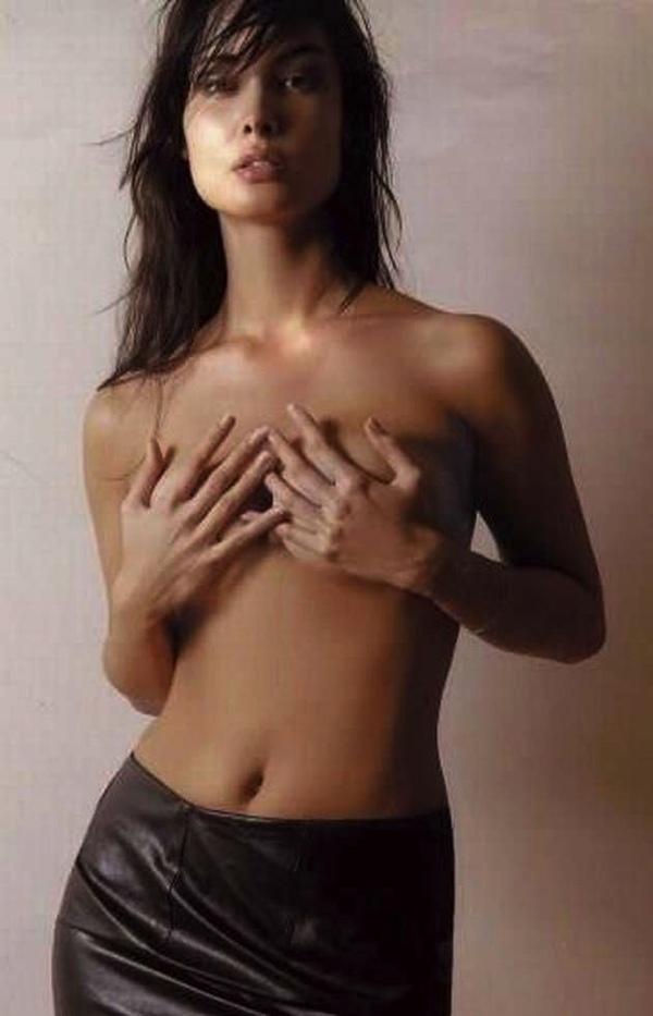 Sextape d une brunette defoncee dans la salle de bain - 1 4