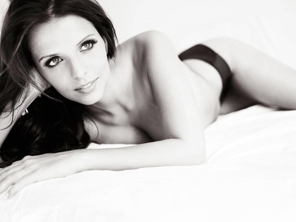 Des photos de Ludivine Aubourg nue – Las Vegas Academy