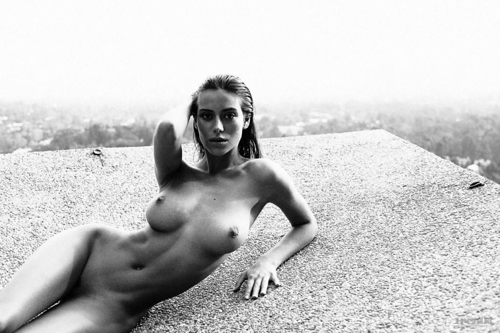 Alejandra-Guilmant-Naked-03-1024x682