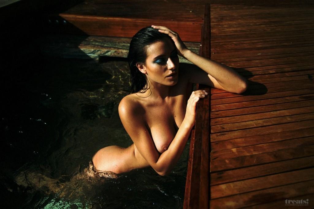 Alejandra-Guilmant-Naked-07-1024x682