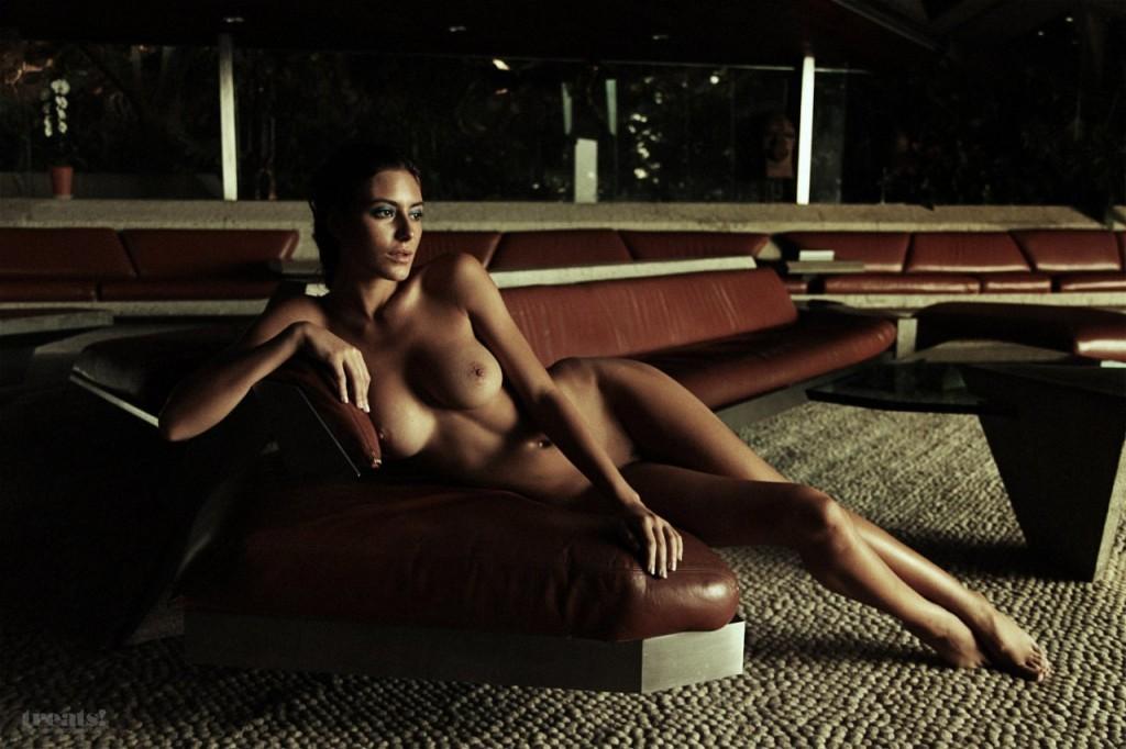 Alejandra-Guilmant-Naked-13-1024x682