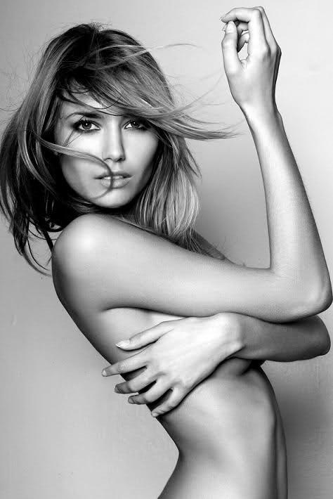 Toutes les photos de Nadege Dabrowski nue - Andy Raconte nue
