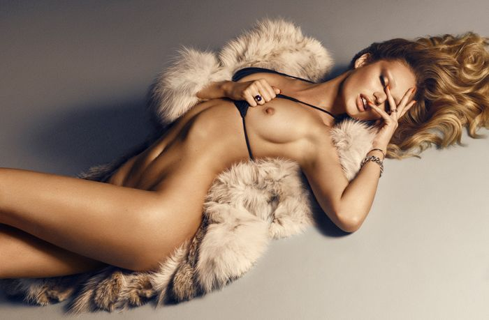 Des photos de Candice Swanepoel nue