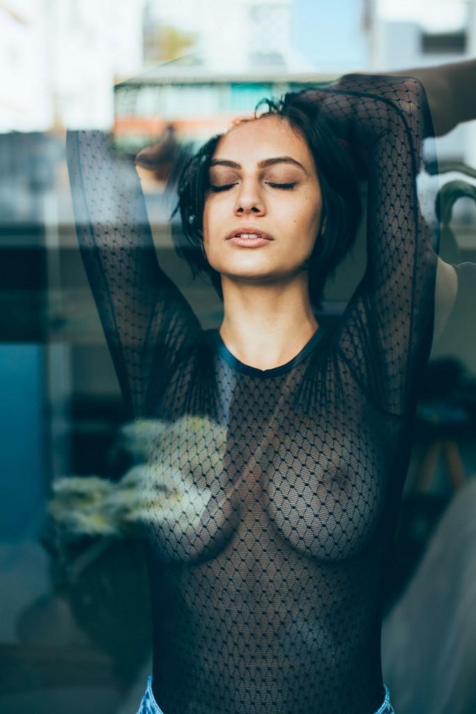 Des photos de Carol Geremia nue et seins nus