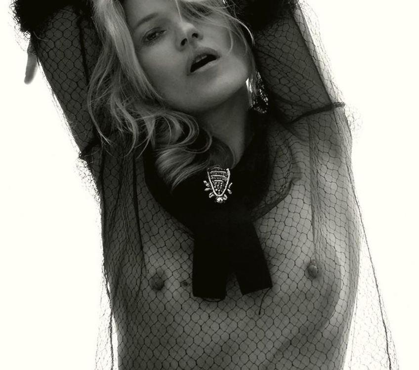 Toutes les photos de Kate Moss nue et seins nus