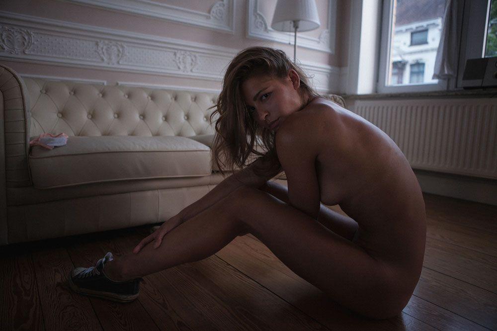 Encore des photos de Marisa Papen nue