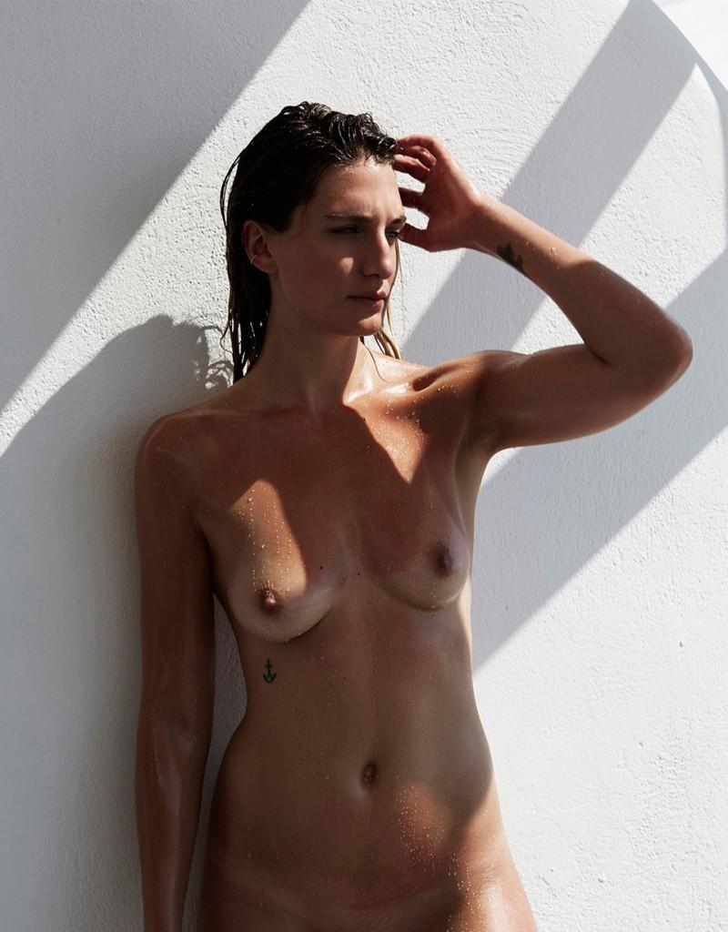 Alexandra-Apostolidis-Naked-4