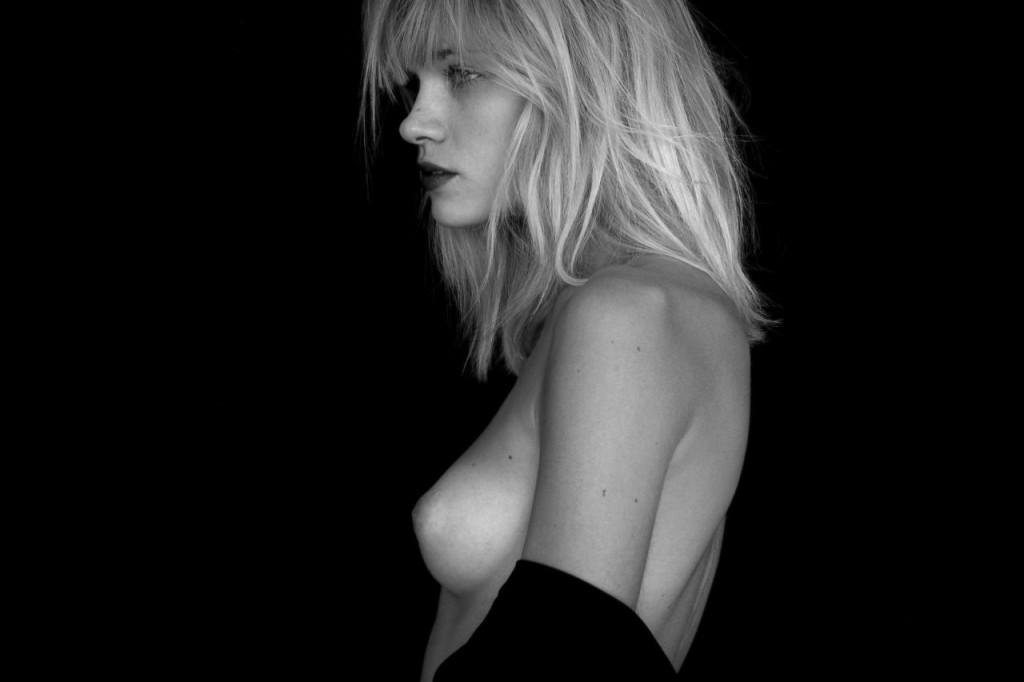 Des photos de Eva Biechy nue