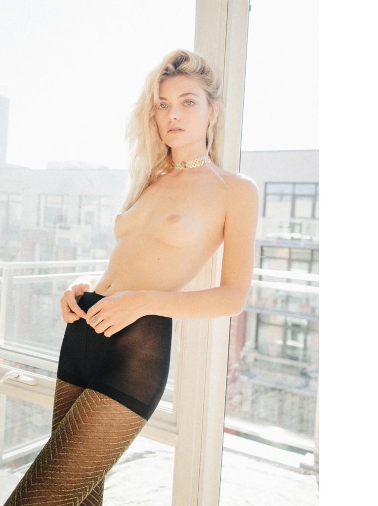 Farah-Holt-Nude-12