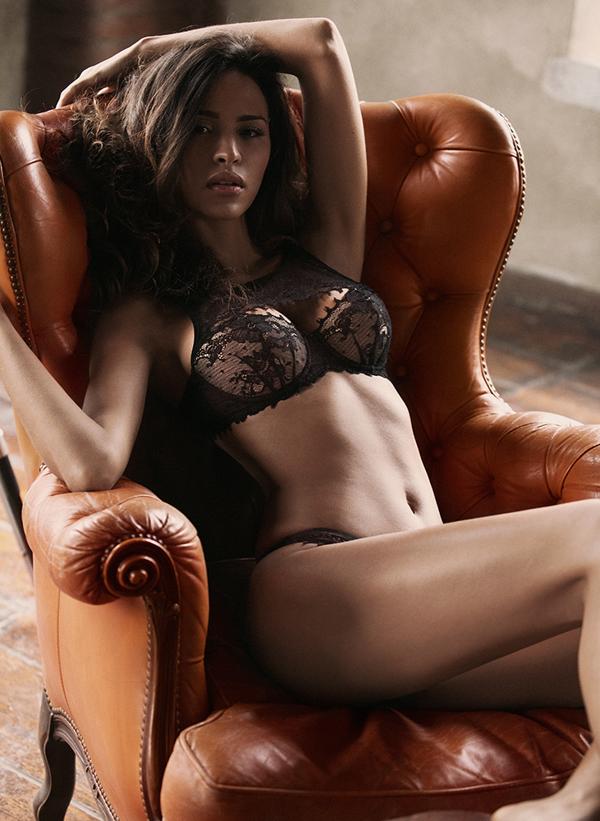 Les photos sexy de la belle Leila Ben Khalifa nue (Secret Story 8)